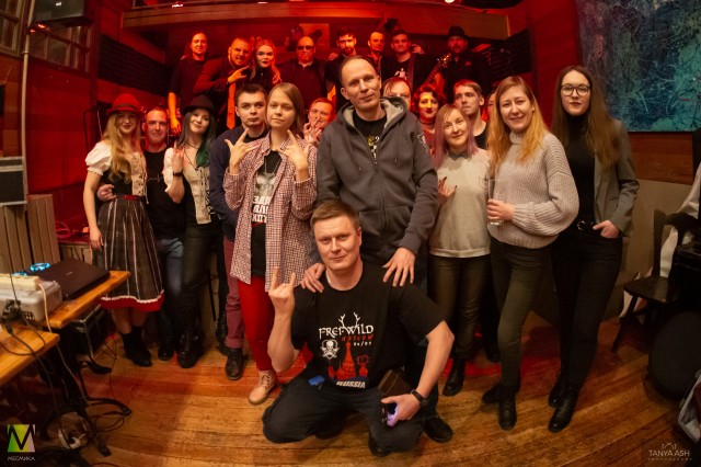 Вместе с поклонниками. Группа Schwarztag в Москве