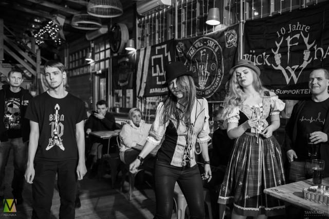Зрители. Группа Schwarztag в Москве