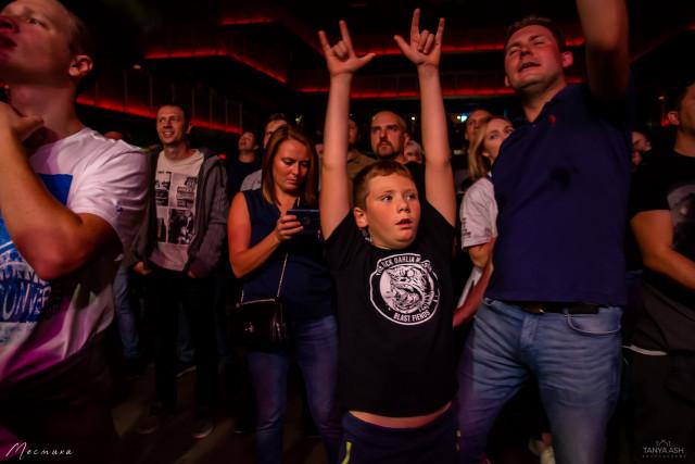 Группа Кирпичи в клубе 1930Moscow