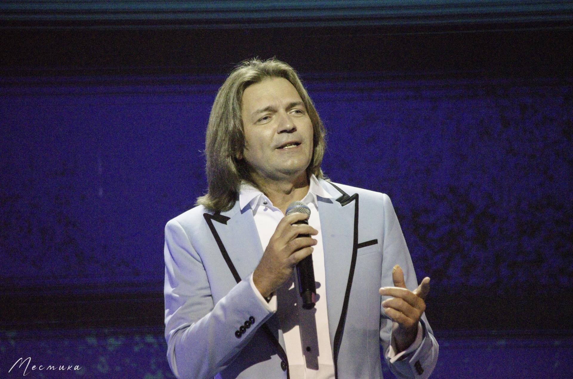 Дмитрий Маликов на сцене фестиваля Белые ночи Санкт-Петербурга 11.07.2021