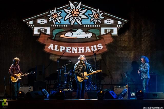 Creedence Clearwater Revived в Альпенхаус 26-го февраля